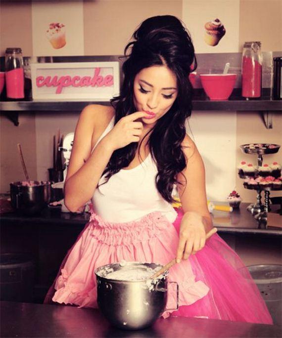 Women Kitchen: Kitchen Hotties Galore