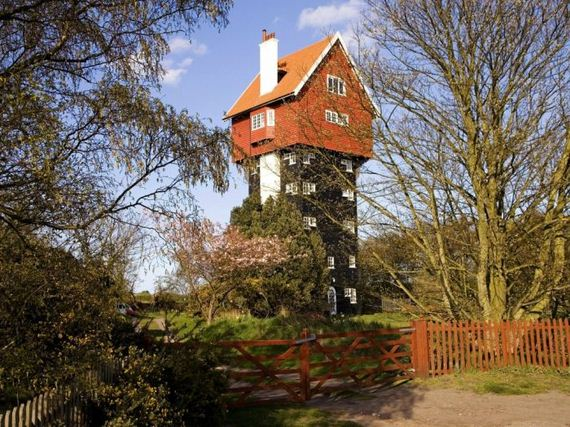 06-house-in-the-clouds-thorpeness-uk