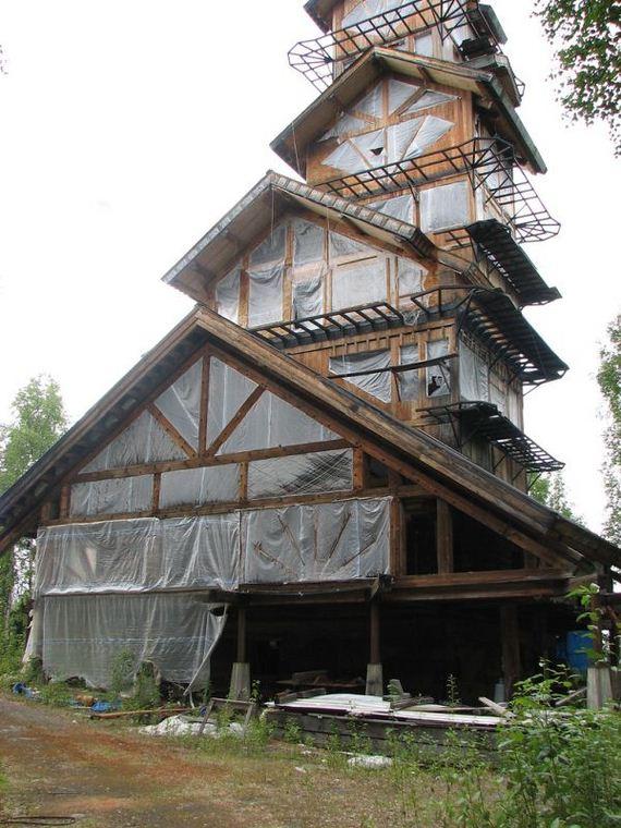 03-dr-seuss-house-in-alaska