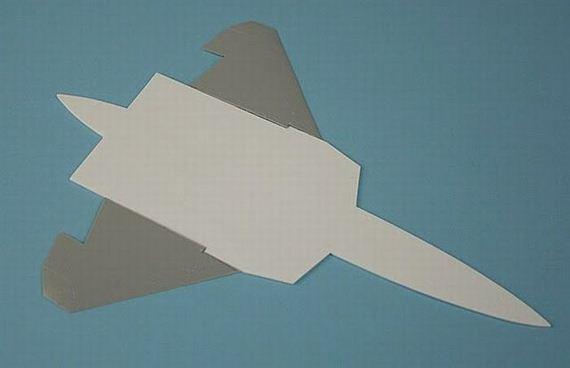 02-paperplane-45-pics