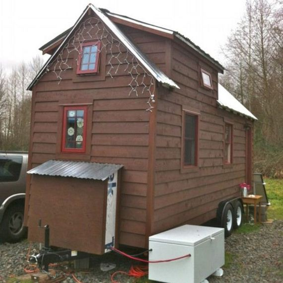 02-tiny-house-on-wheels