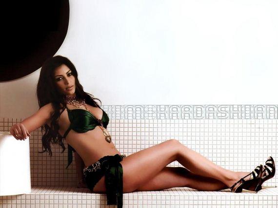 05-Kim-Kardashian