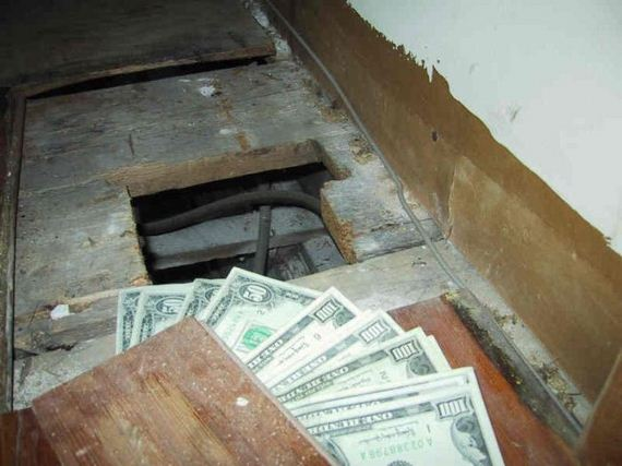 1 700 found in an old house barnorama for Homes for sale with hidden rooms