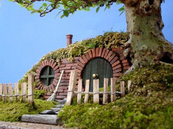 04-bonsai_baggins_hobbit_home