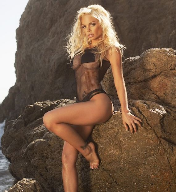 Adult Film Star Jesse Jane Still Looks Great With Clothes On