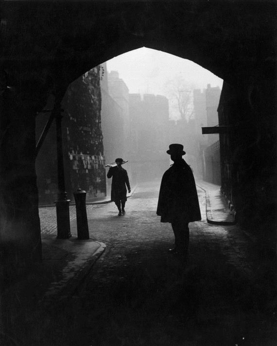 05-haunting_photos_of_the_london_fog