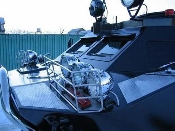 05-vip_armored_car