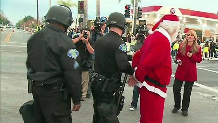 10santas_who_forgot_how_to_santa
