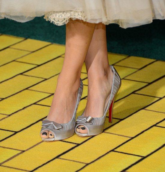 Mila-Kunis-Feet-914302