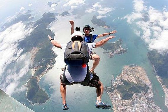 10-Skydiving-is-pretty-awesome