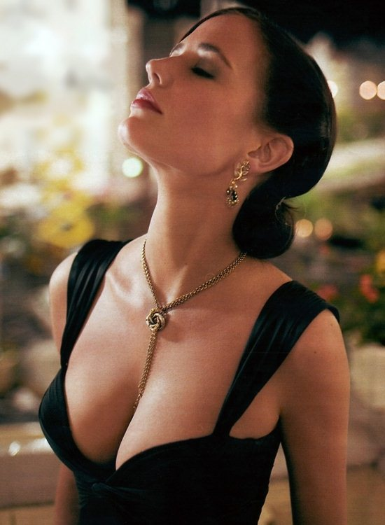 01-eva-green-photos