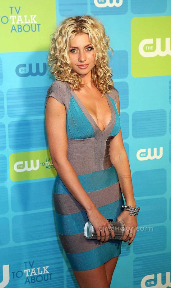 02-aly-michalka-pictures