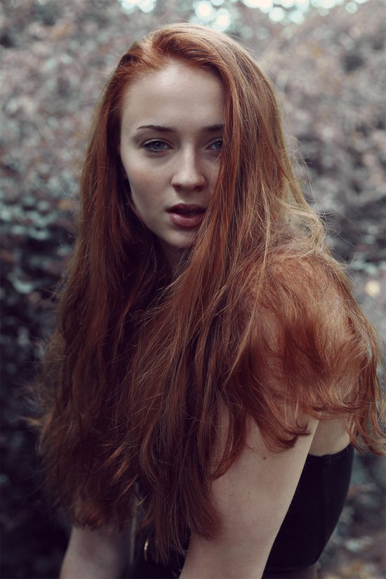04-sophie-turner-photos