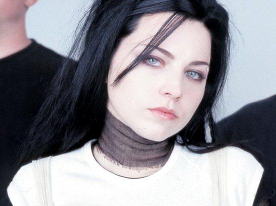 08-elizabeth-gillies-pictures