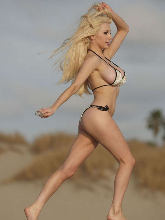 12-Courtney-Stodden-Bikini-Photos -Los