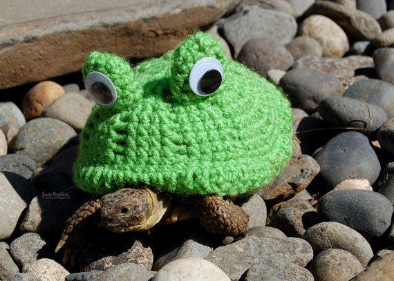 09-Artist-Crochets-Tortoises