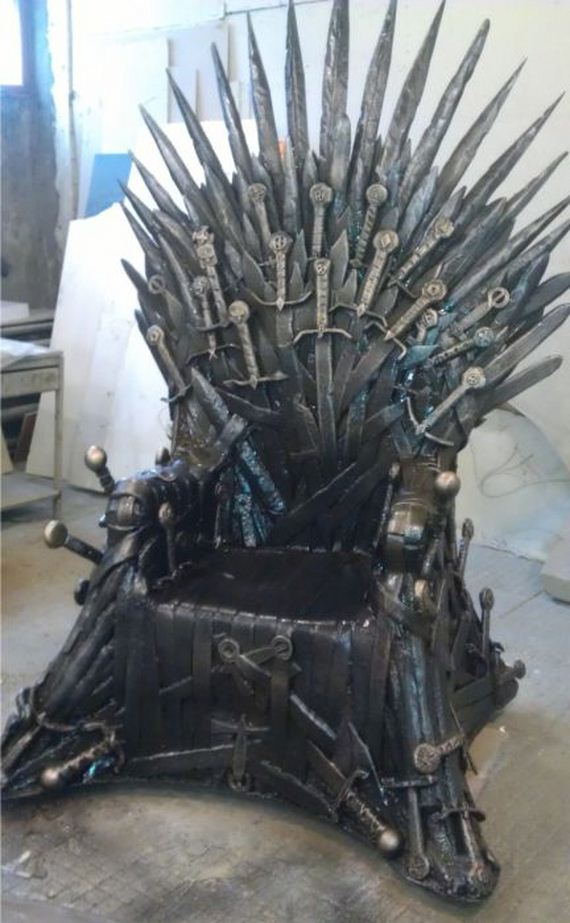 Iron Throne Barnorama