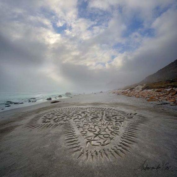 05-beach-calligraphy