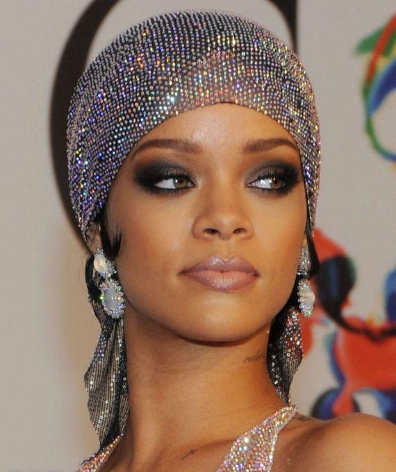 02-Rihanna-Dress-at-2014