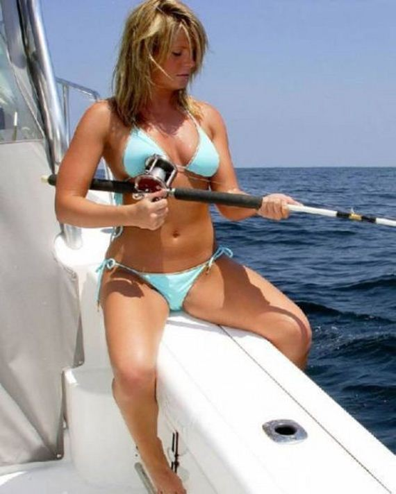 03-Hot-girls-fishing