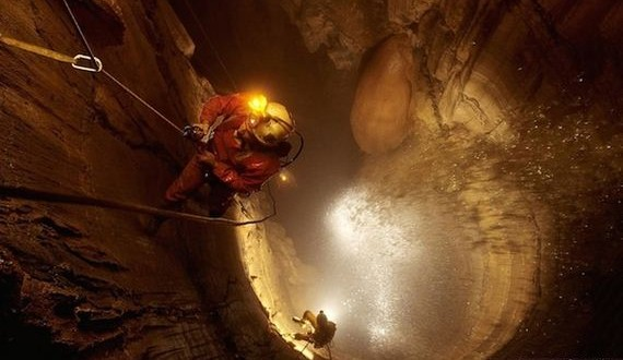 04-Worlds-Deepest-Cave