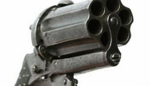 05-revolver_01