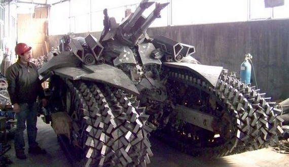 06-megatron_tank