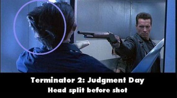12-movie_blunders