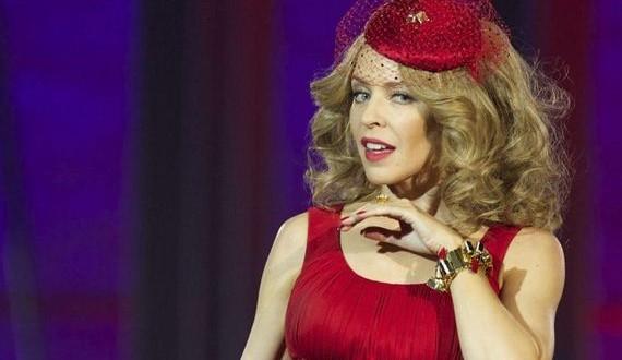 12-Kylie-Minogue -Kiss-Me
