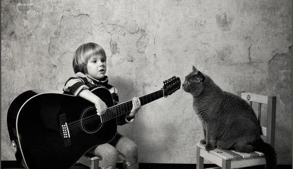 06-Girl-Her-Cat