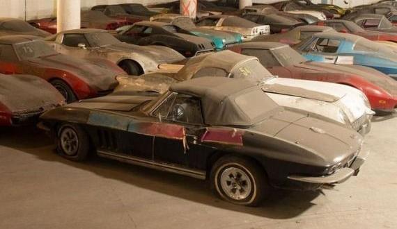 14-corvette_garage