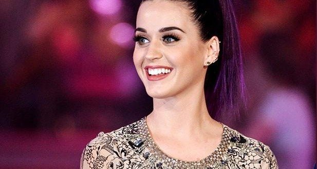 katy-perry-outrageous-outfits