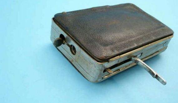 06-purse_gun