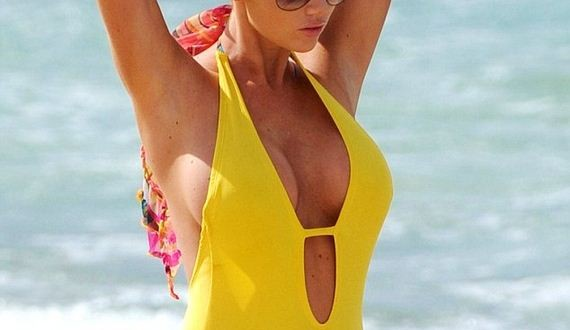 14-Amy-Childs-in-Yellow