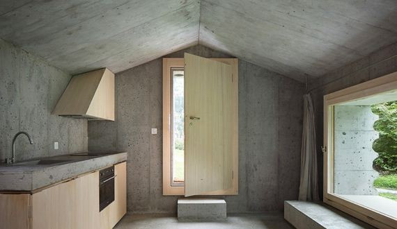 07-house_made_of_concrete