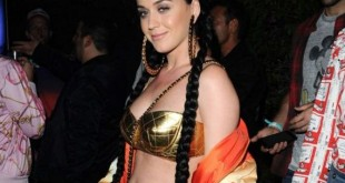 01-Katy-Perry-gold-bra