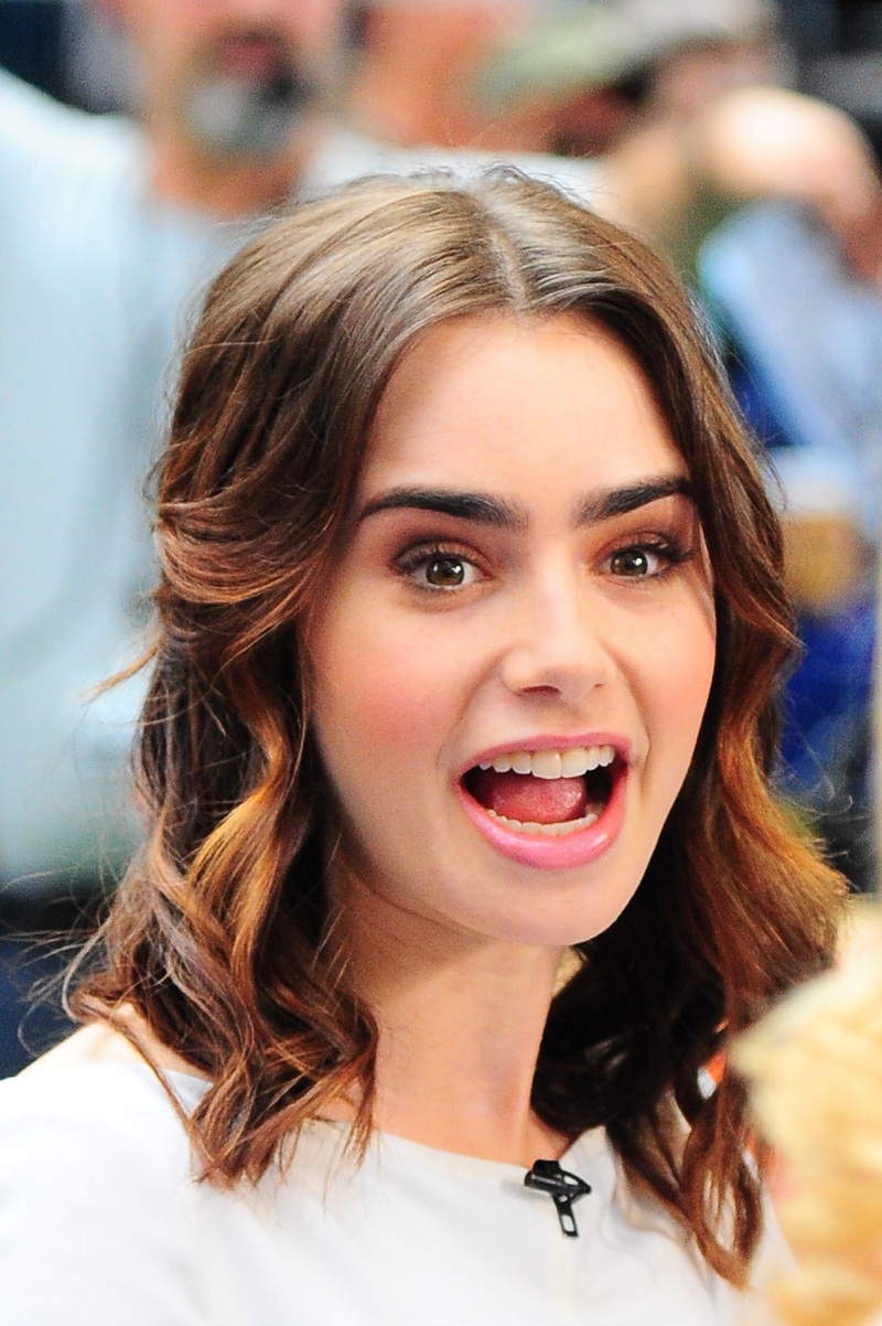 Lily Collins Hot Barnorama