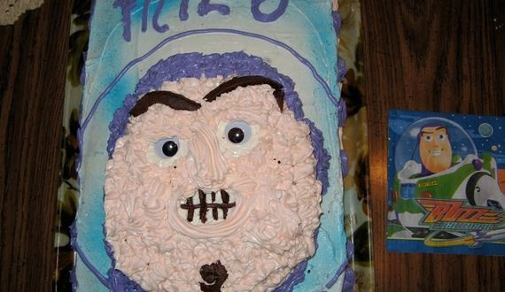 01-Disney-Cake-Disasters