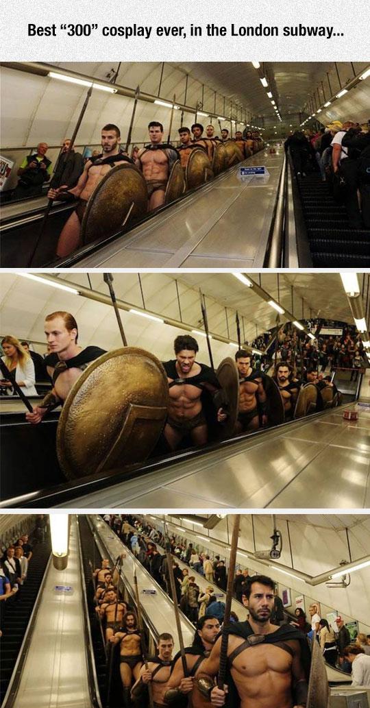 funny-300-cosplay-London-subway