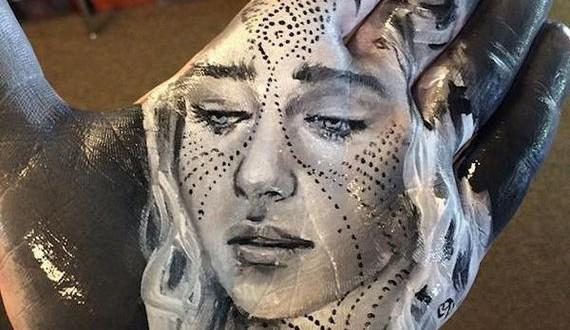 01-artist-paints-realistic-portraits