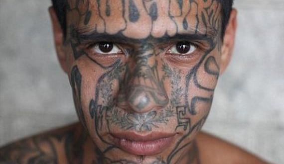01-el_salvador_prison