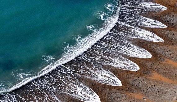 01-mysterious_beach