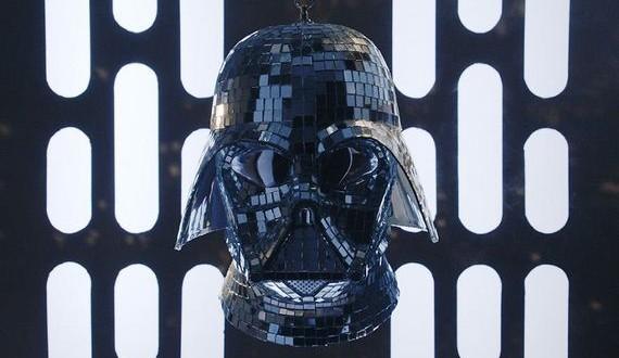 01-Darth-Vader-Disco
