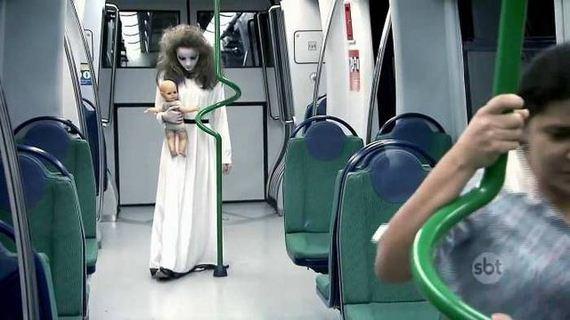 01-disturbing_halloween_pranks