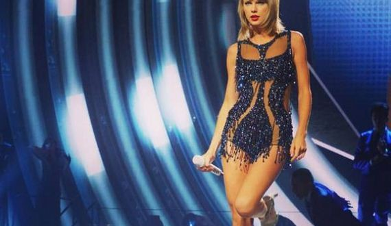 05-Taylor-Swift-does