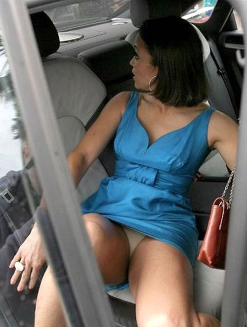 paula-patton-upskirt