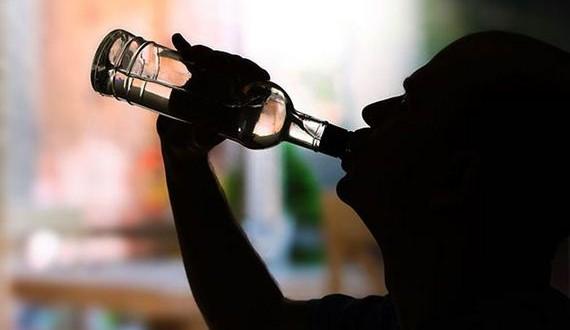 01-alcoholics_01