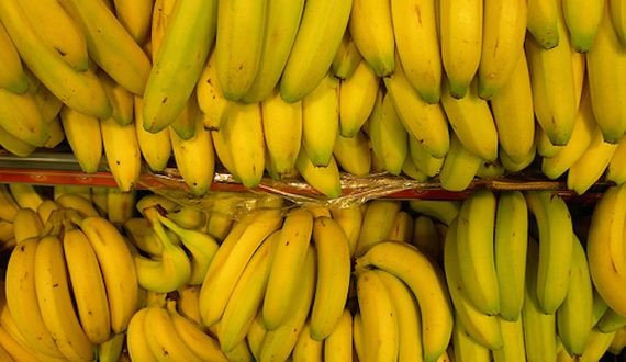 01-eating-bananas