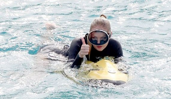 01-Candice-Swanepoel-in-Wetsuit