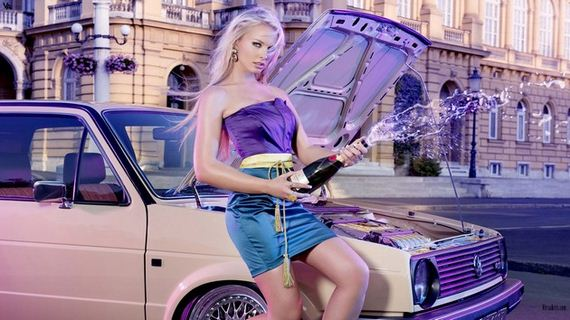 01-Girls-with-Cars-12